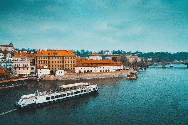 Pohled na řeku Vltava.jpg