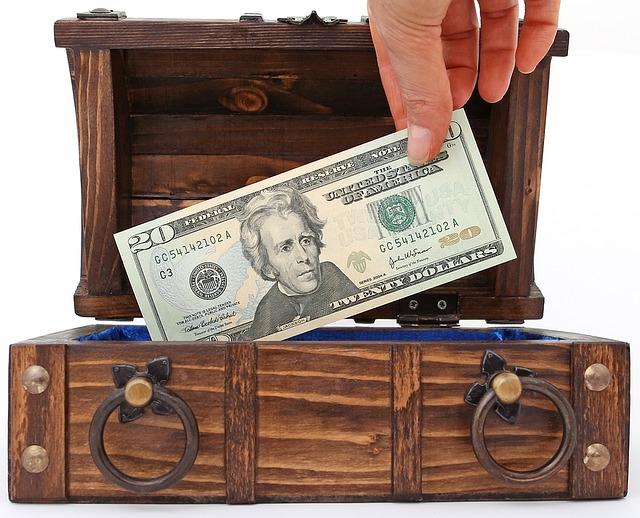 vytahování peněz z pokladničky